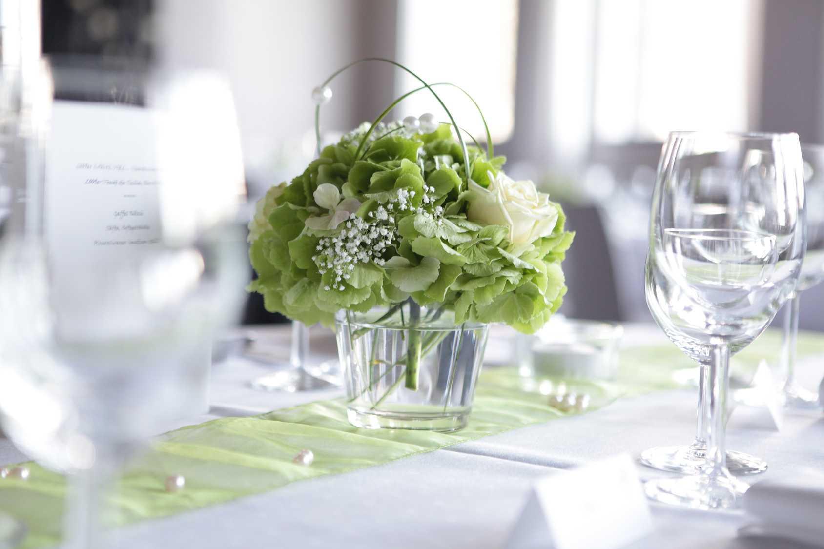 1f7bafd86 svatební květinová výzdoba, svatební výzdoba kostela, svatební výzdoba  kostela